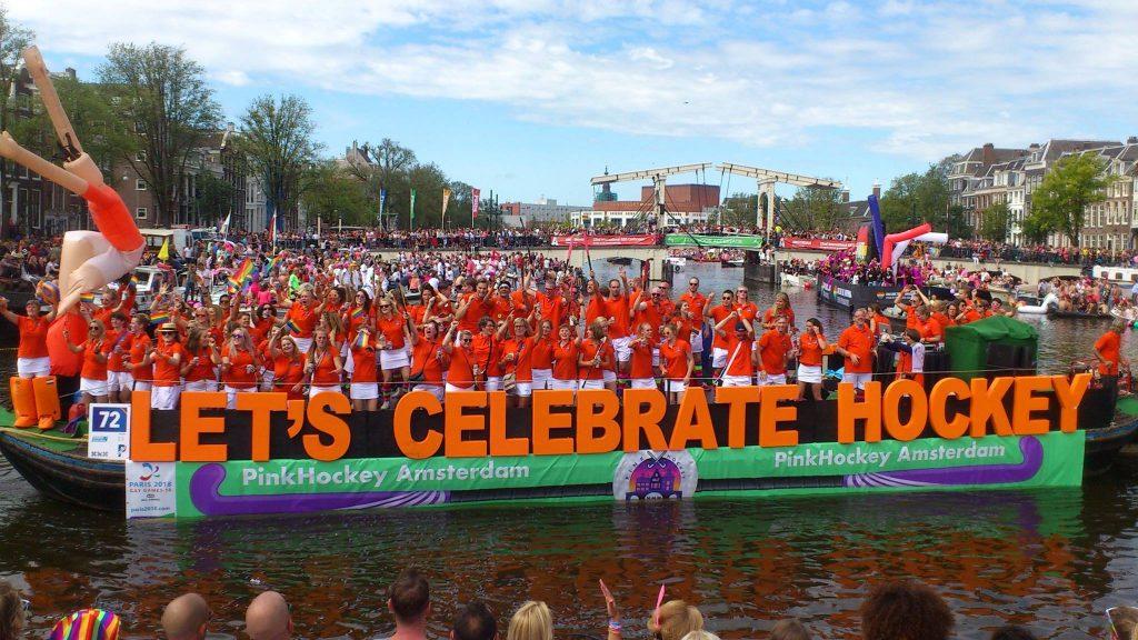 PinkHockey boat @ Amsterdam Pride